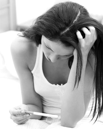 mujer-triste-prueba-embarazo
